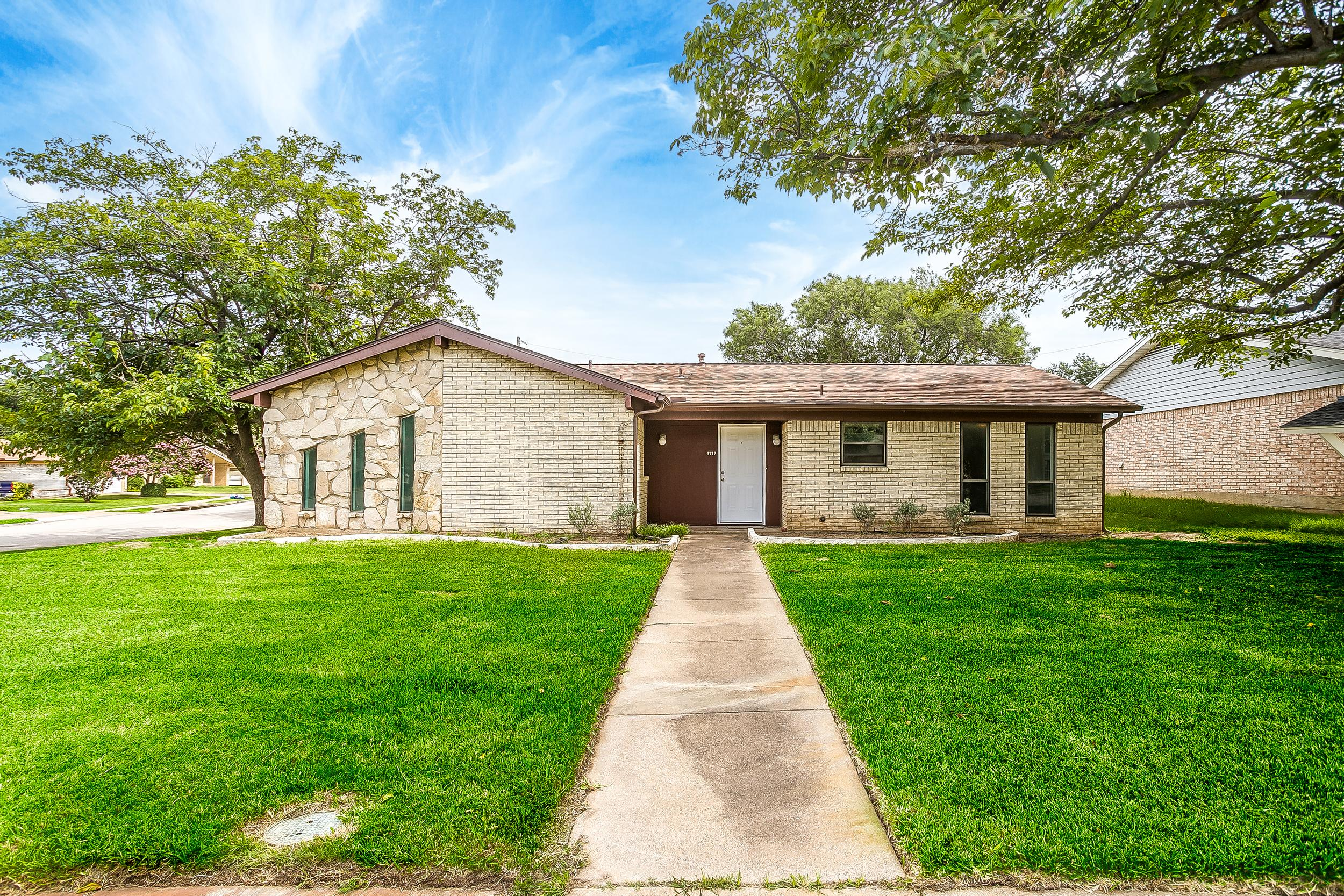 Richardson, Texas, property manager for rental property